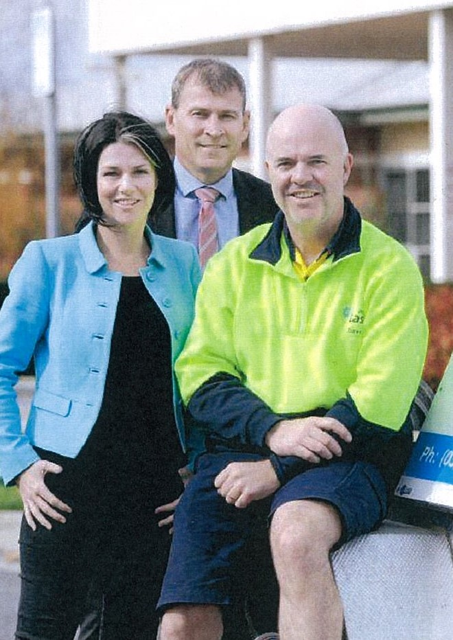 Laser Plumbing and Electrical donates to Wimmera Cancer Centre