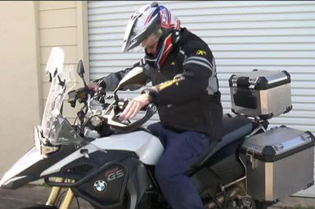 Taree sparky rides for Beyond Blue (video)