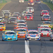 Richards strikes first blow in Carrera Cup